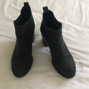 Like New! Sam & Libby ankle boots!